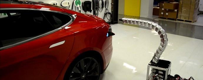 Tesla создала уникального робота-заправщика