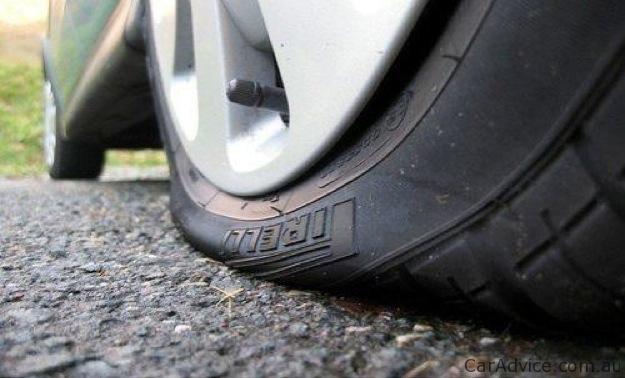 Роль автошин и что делать, если вы пробили колесо в дороге